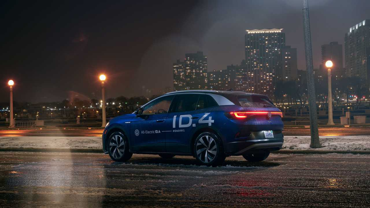 Volkswagen ID.4 completes cross-country drive night rear