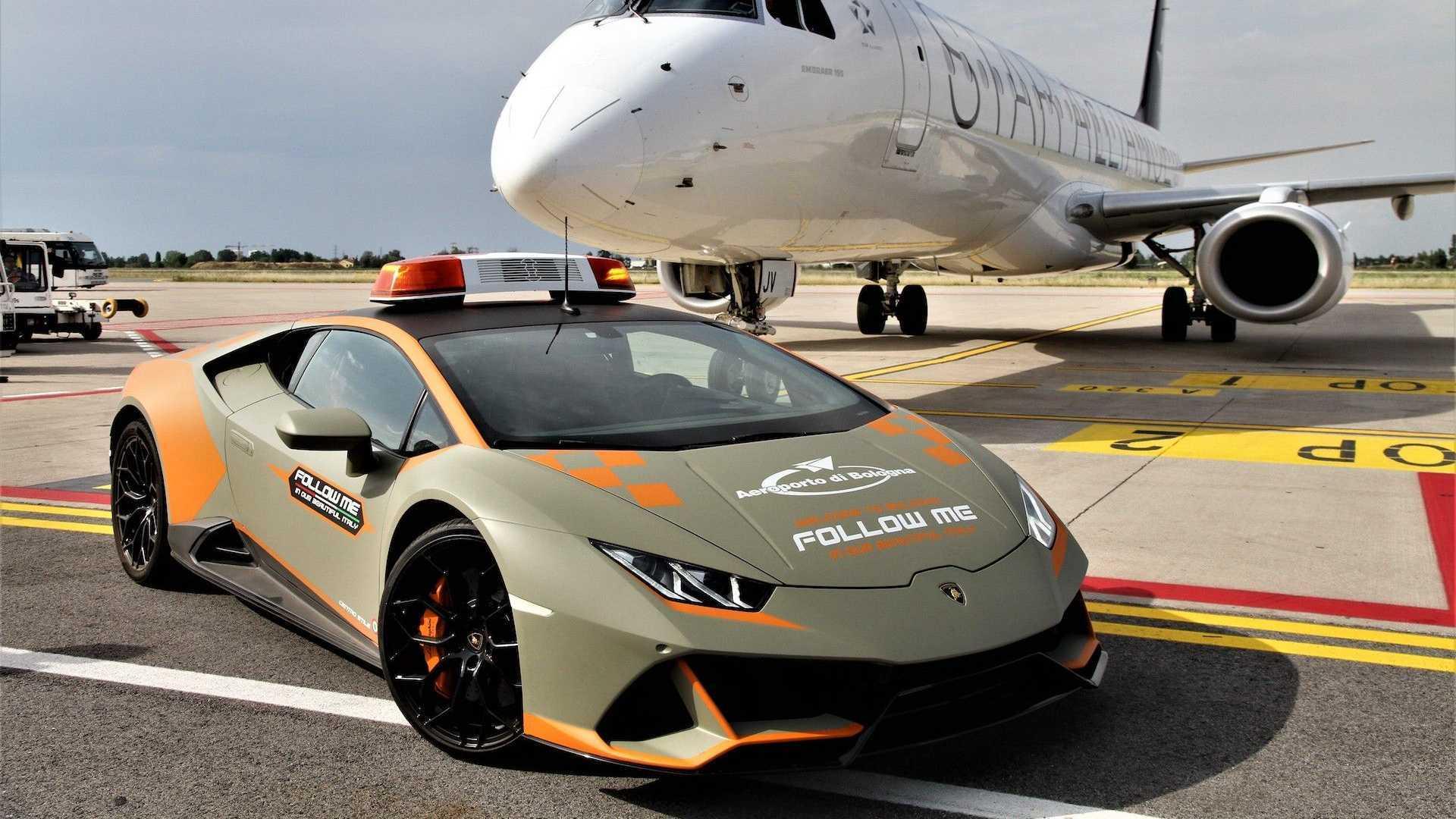 Bologna Airport Gets A New Lambo Huracan Evo As A Follow-Me Car