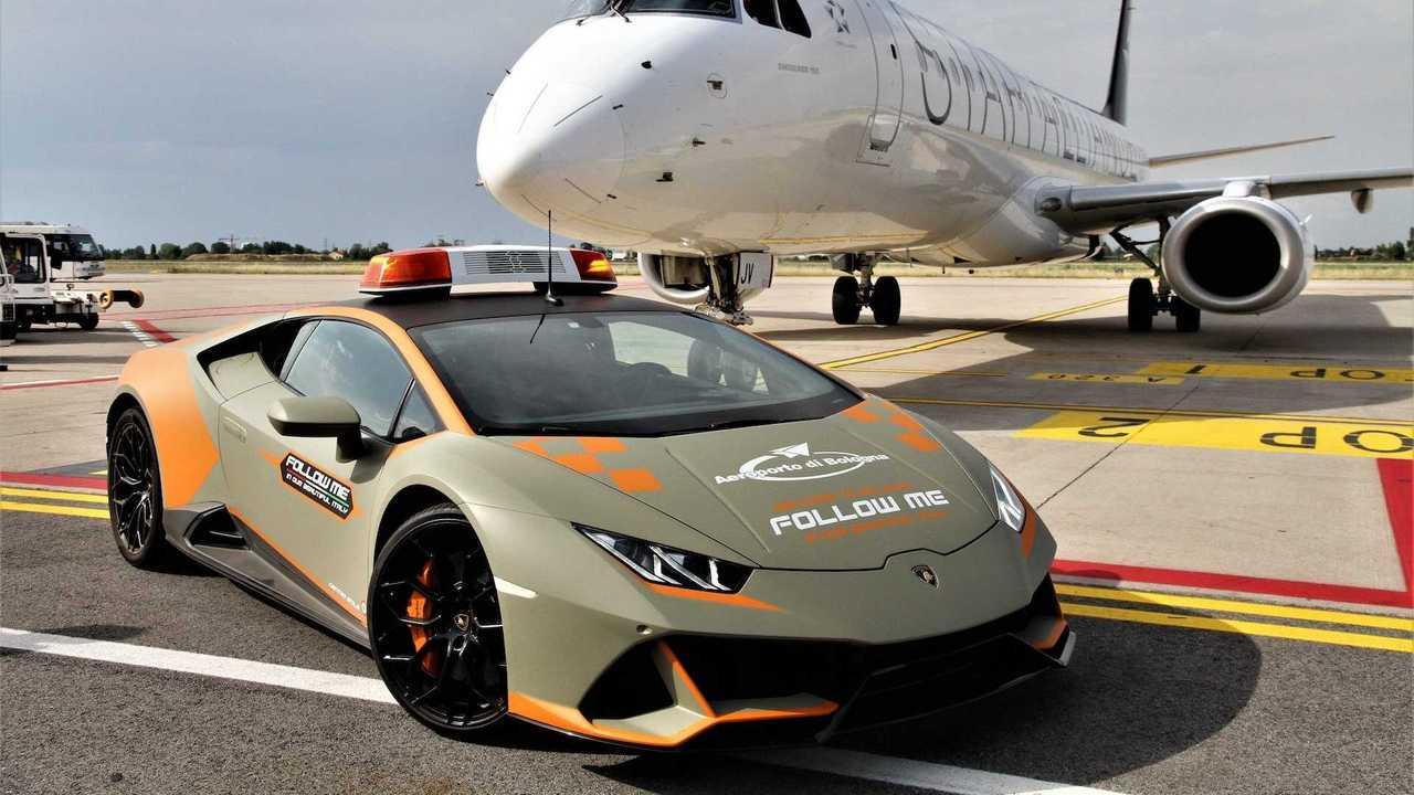 Lamborghini Huracan EVO en el Aeropuerto de Bolonia