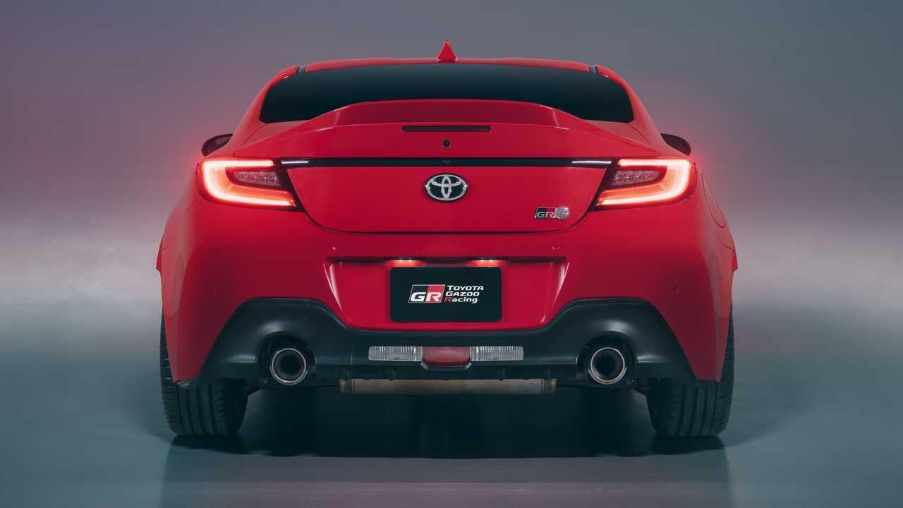 2022 Toyota GR 86 Vista trasera exterior منظر