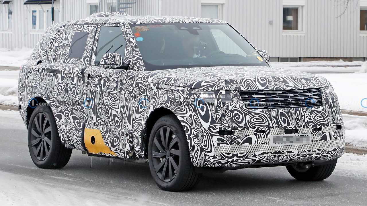 2022 Land Rover Range Rover PHEV spied for the first time.