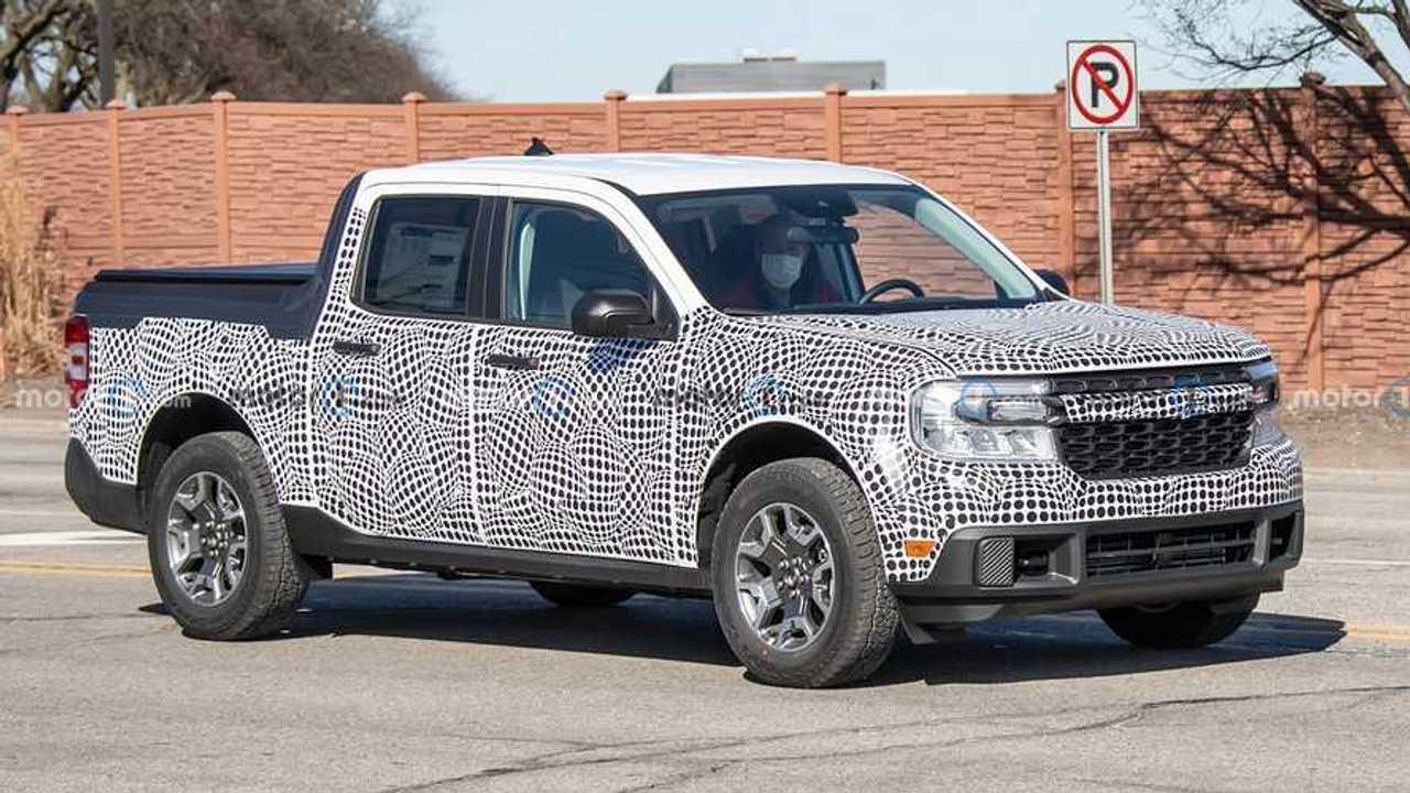 New Ford Maverick pickup truck spy photos.