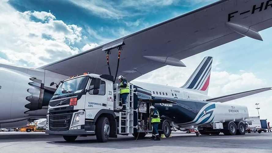 La proposta: carburanti sintetici per decarbonizzare navi e aerei