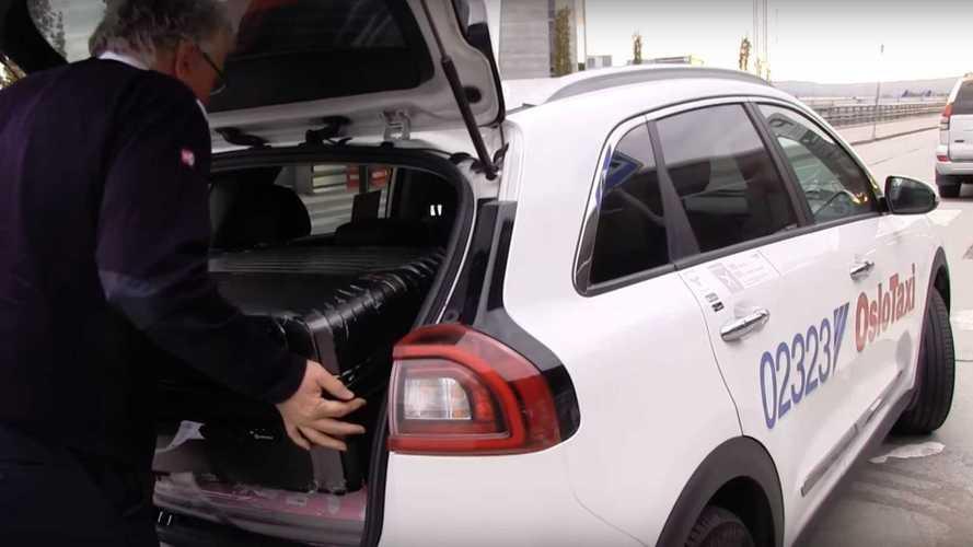 Bjørn Nyland Interviews A Kia e-Niro (Niro EV) Taxi Driver
