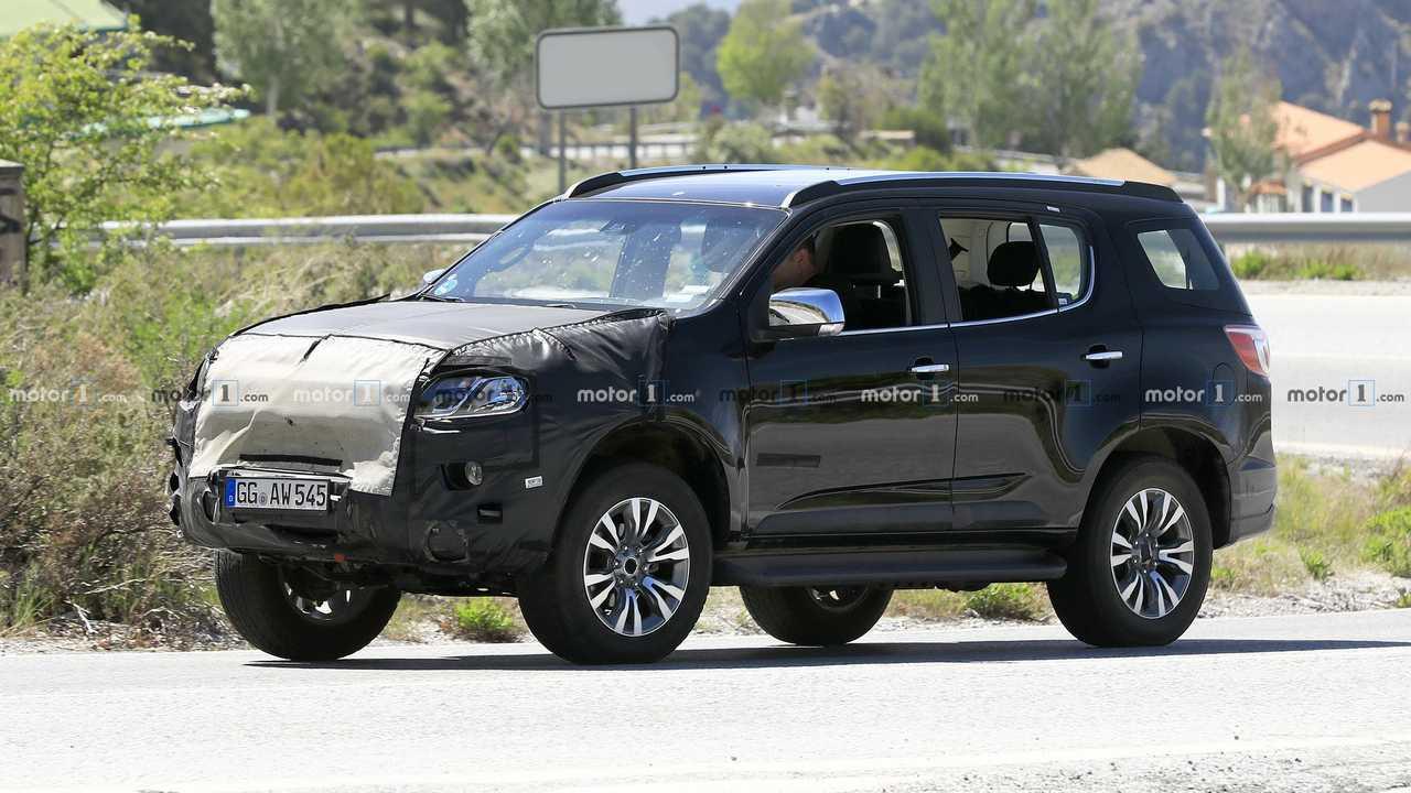 Chevrolet Trailblazer mule spy photo