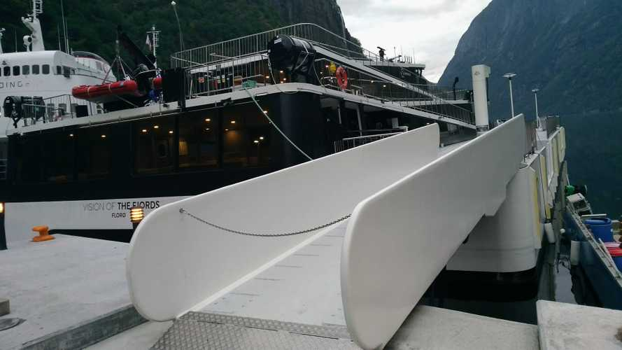 Norvegia, traghetti e navi elettriche nei fiordi