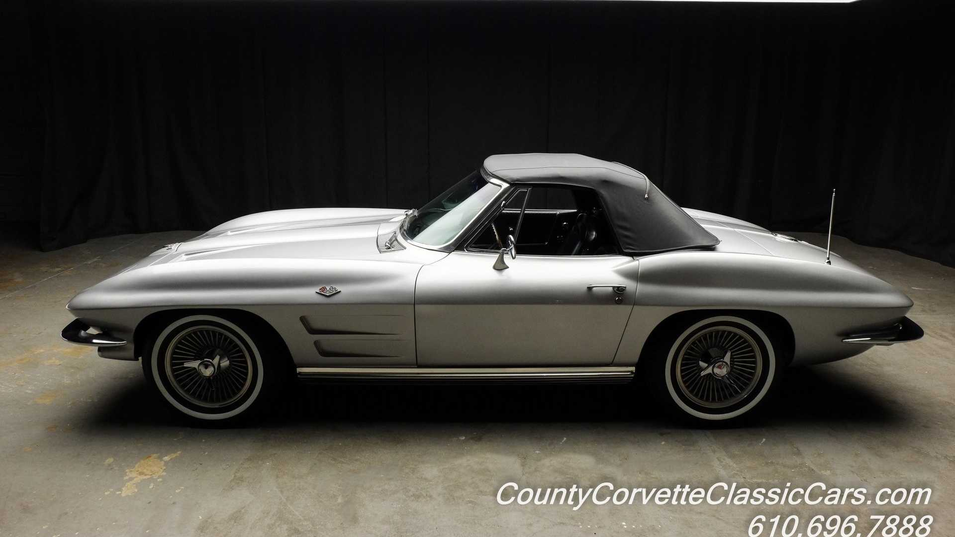 "[""1964 Chevrolet Corvette Stingray Convertible""]"