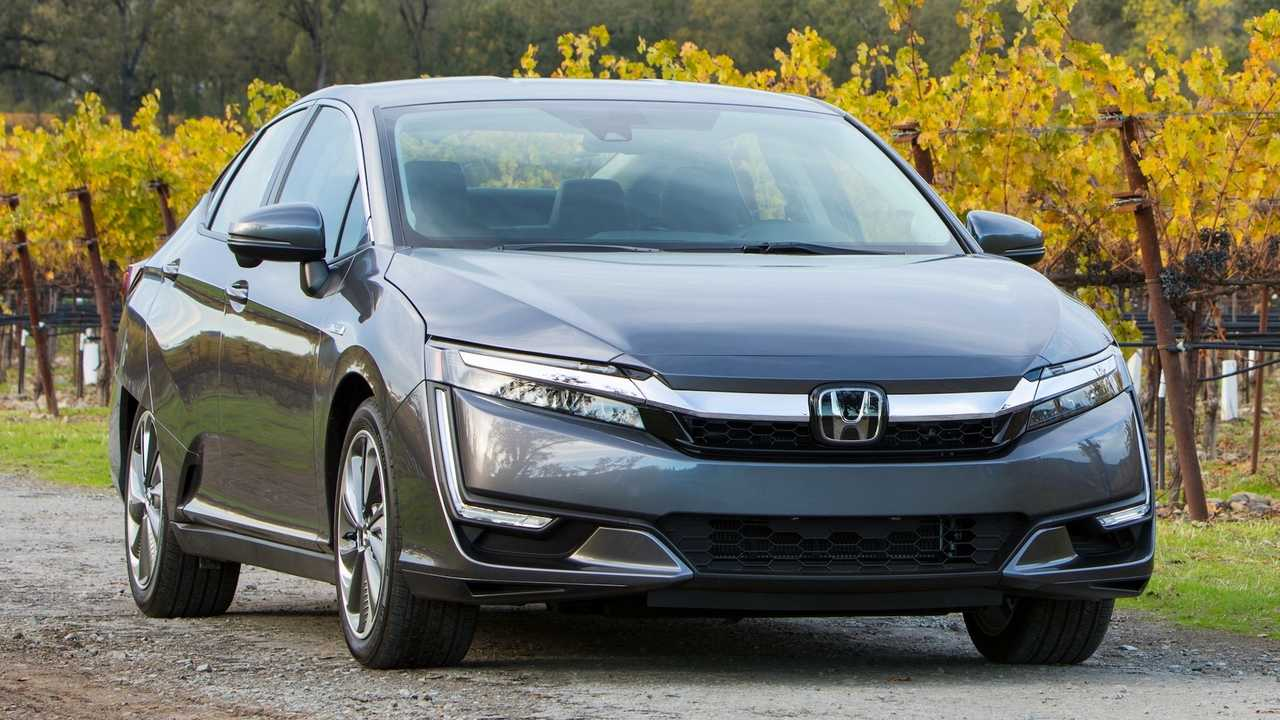 Midsize Car: Honda Clarity Plug-In Hybrid