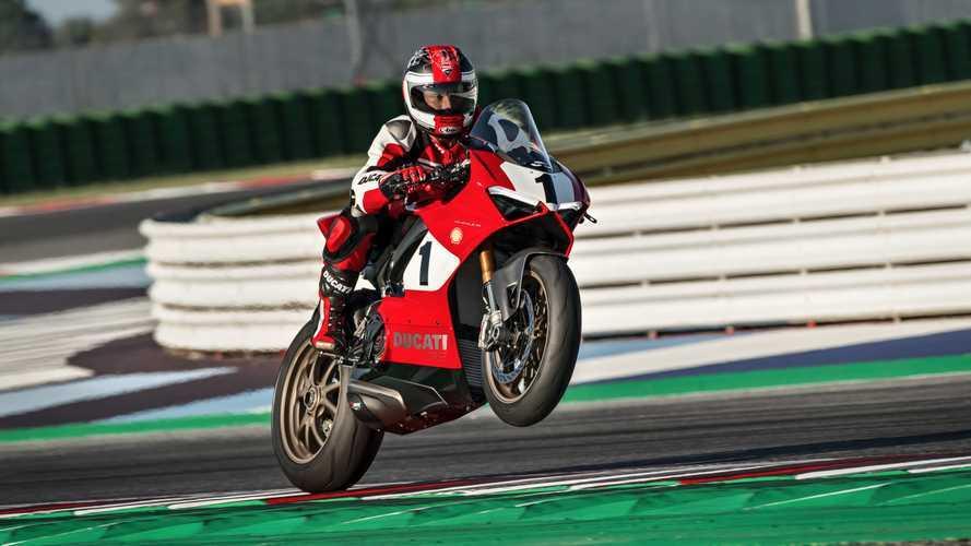 Ducati Panigale V4 25° Anniversario 916: i dettagli [VIDEO]