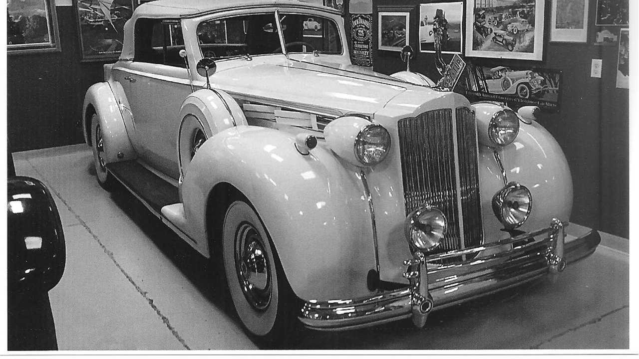 1938 Packard 1607 V12 Convertible Coupe