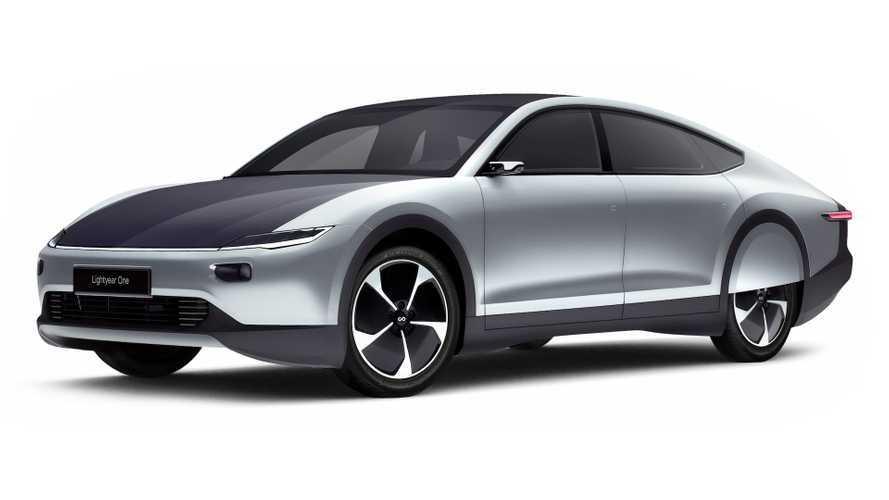 Auto elettriche, Lightyear One presenta l'auto a energia solare