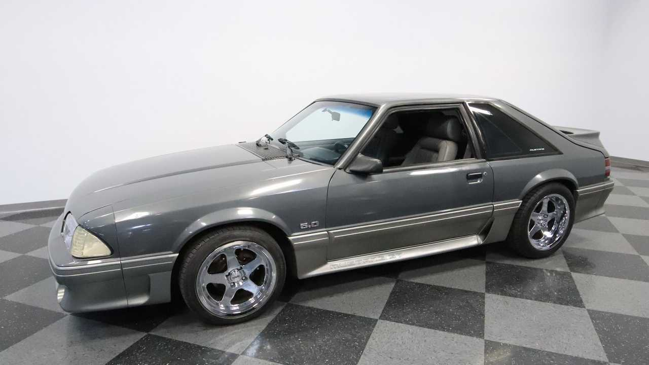 Two Tone Pony: 1989 Ford Mustang GT