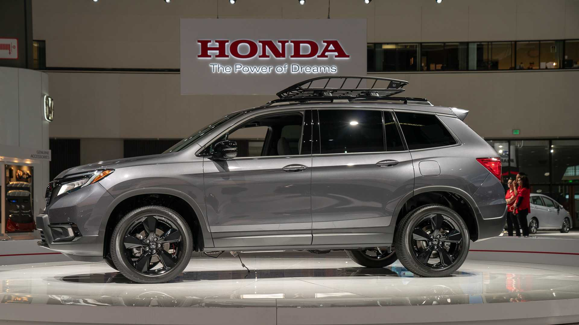 2020 Honda Passport Interior, Specs & Price >> 2019 Honda Passport Debuts Its Suv Bod To The La Scene