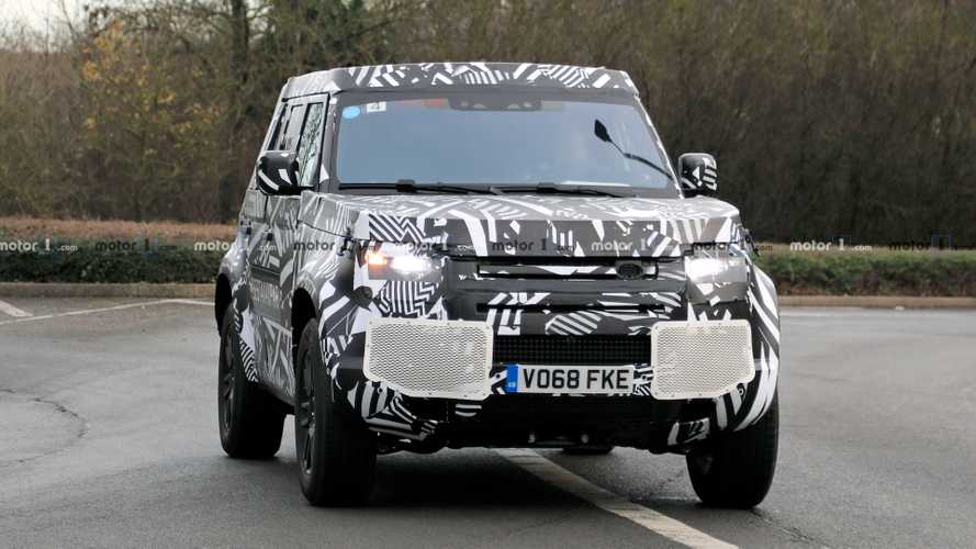 Land Rover Defender Spy Photos