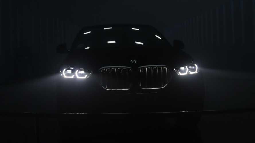 A Francoforte debutta la prima auto al mondo color Buco Nero