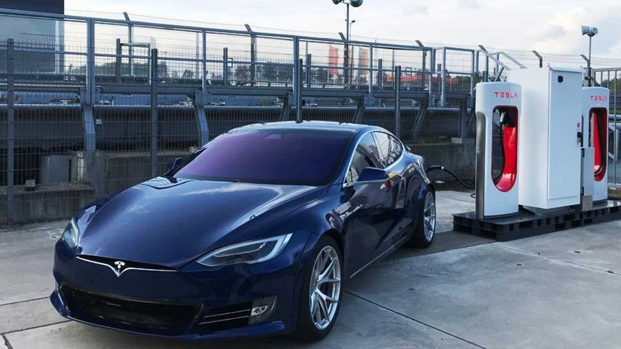 tesla Supercharger Nurburgring
