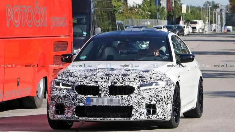 BMW M5, ecco le foto spia del restyling