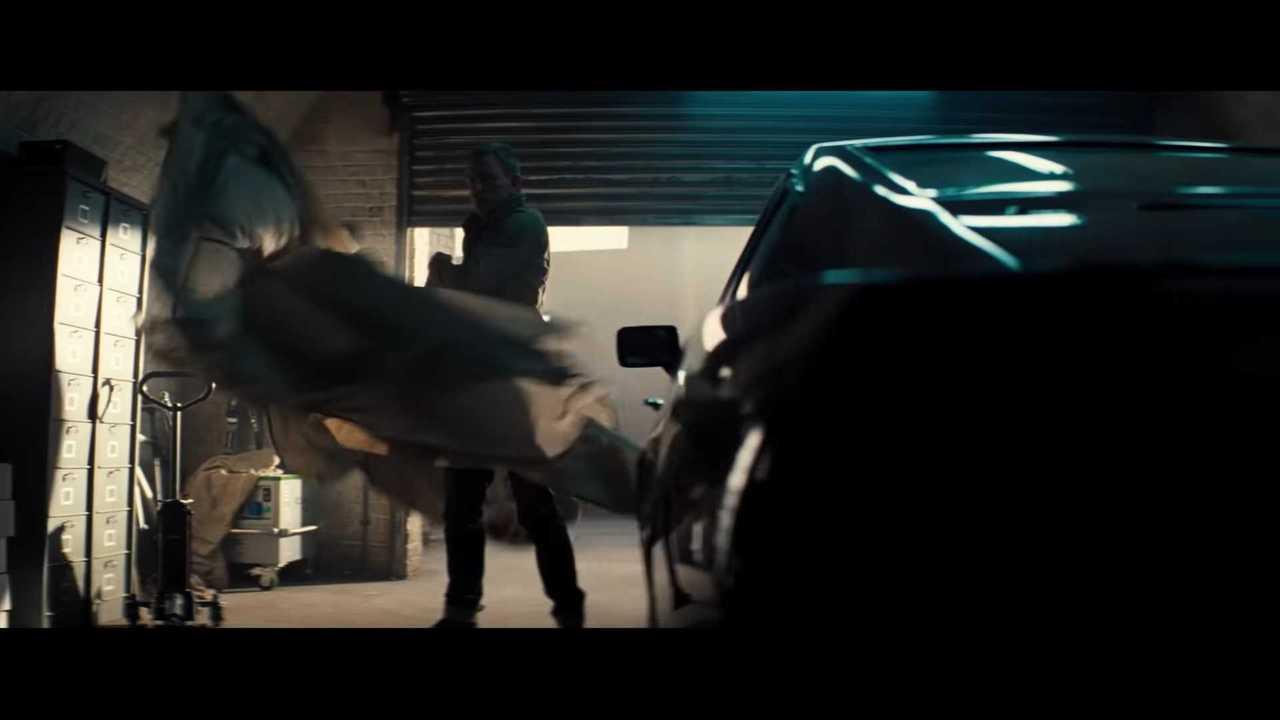 No Time To Die Trailer Drops Stars James Bond S Aston Martins