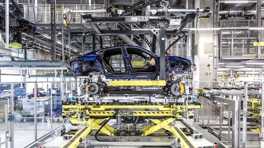 Watch how Porsche meticulously assembles the 2020 Taycan