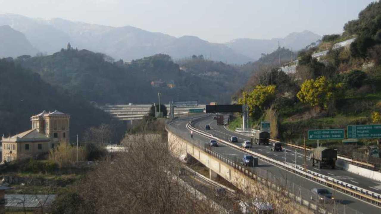 Autostrada A26 chiusa ponti