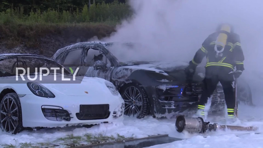 10 Porsches Burn To A Crisp After Possible G20 Arson