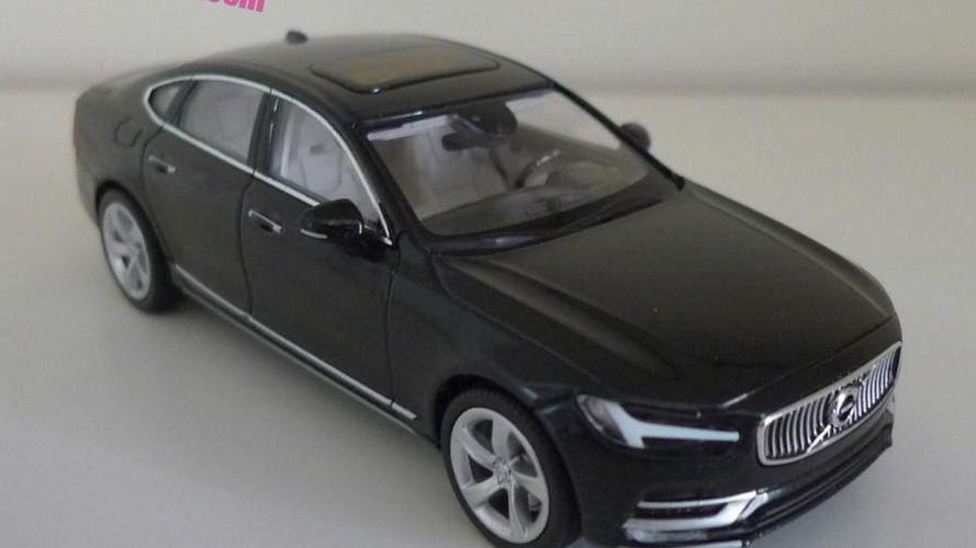 Volvo S90 scale model is back in black