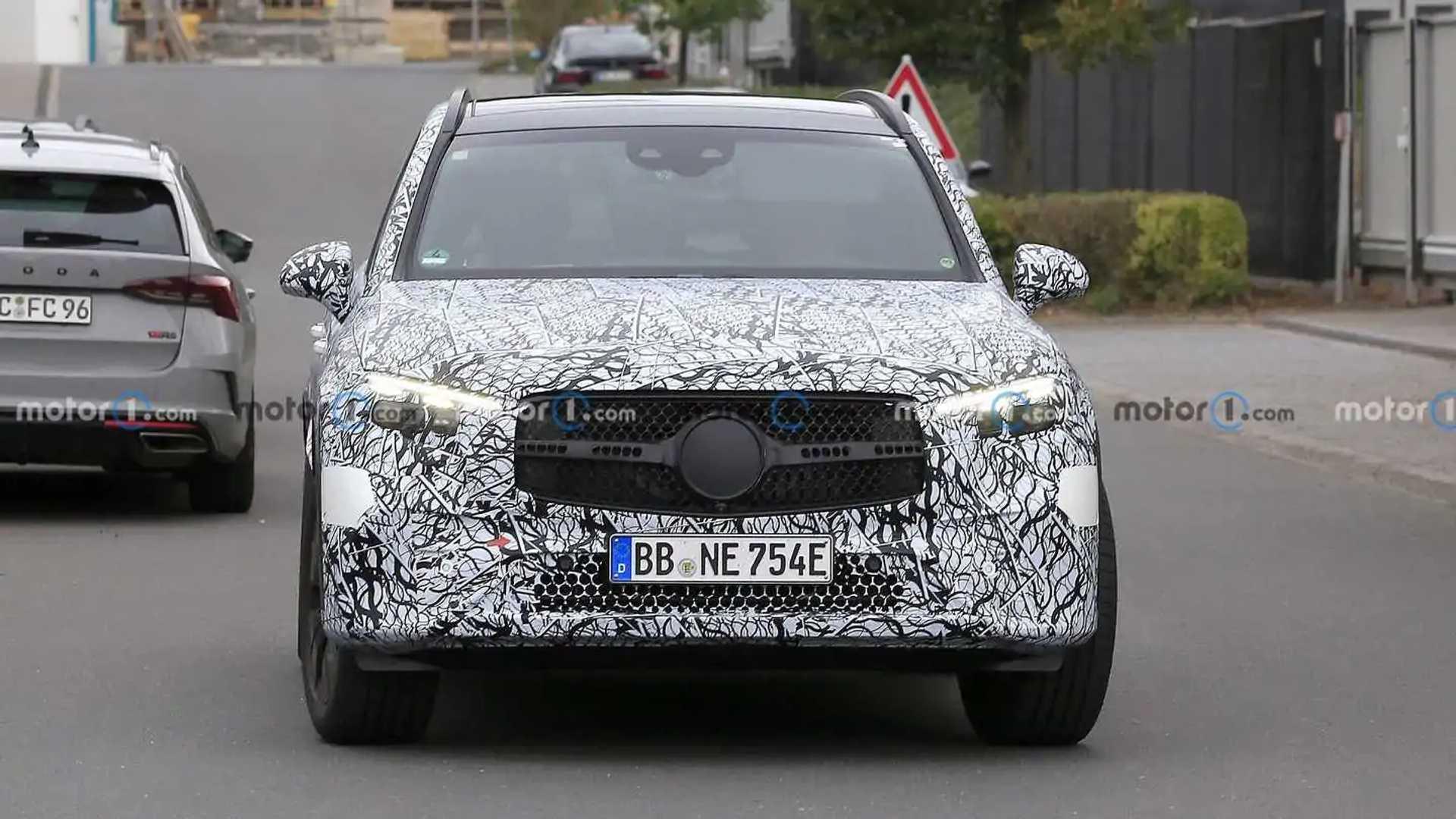 2023 Mercedes GLC spied with rear-wheel steering