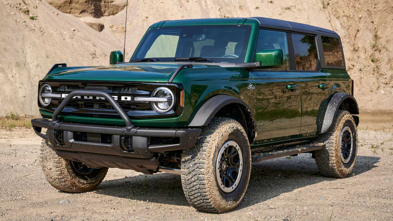 2022 Ford Bronco in Eruption Green.
