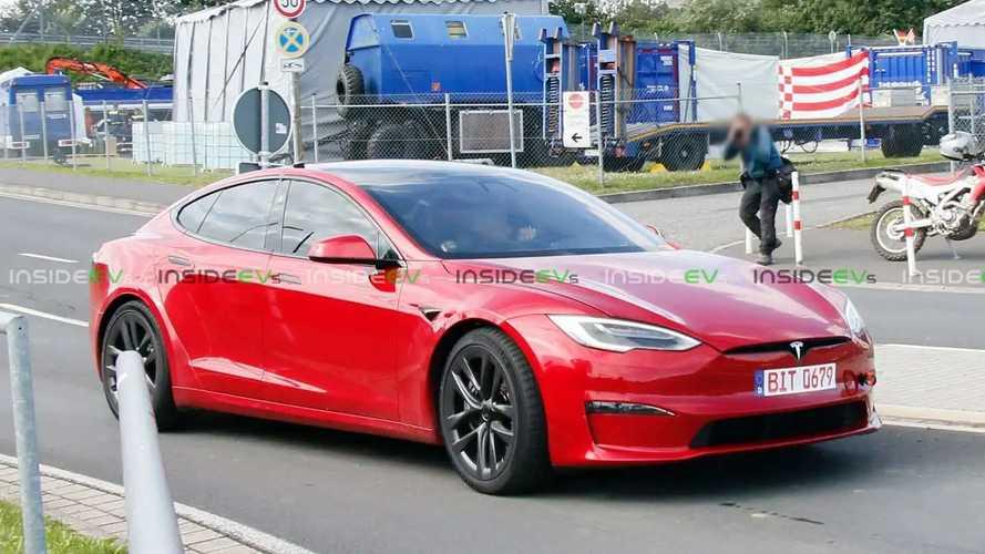 Le prototype de la Tesla Model S Plaid se crashe au Nurburgring