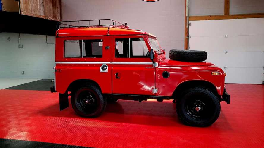 This Amazing 1971 Land Rover Series IIA Sold For $32k With GAA