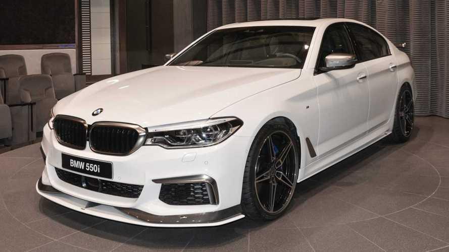 Modifiyeli BMW M550i, bir M5 kadar agresif görünüyor