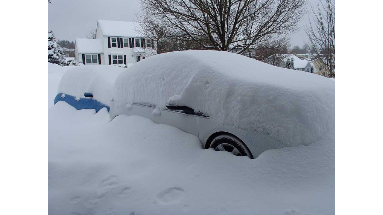 Chevy Volt Cuddles Close to Nissan LEAF in 18 Inches of Snow