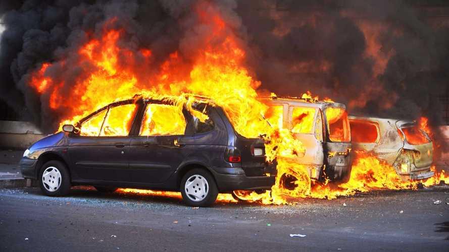 Tout feu, tout flamme : que vous reste-t-il en cas d'incendie de votre véhicule ?