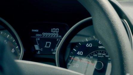 1 milyon mil yol yapan Hyundai Elantra'nın hikayesini dinleyin