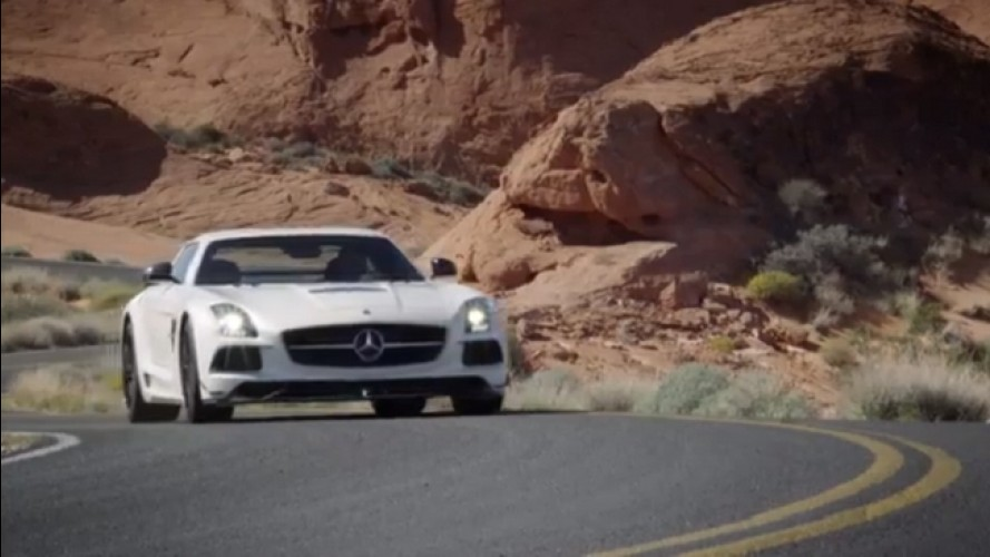 VÍDEO: Mercedes SLS AMG Black Series em movimento