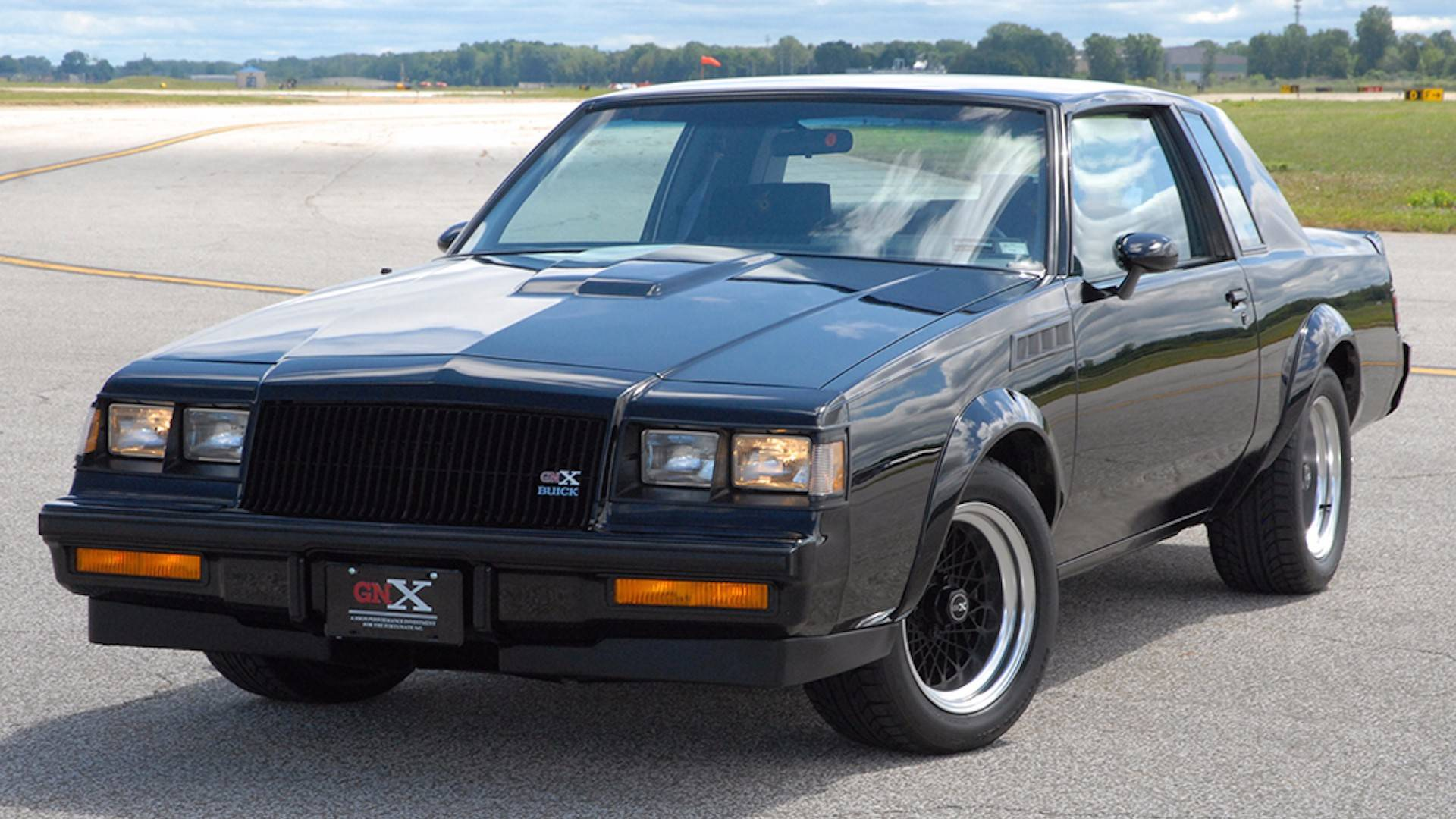 Buick Grand National Gnx For Sale >> The First Buick Gnx Is For Sale Bring Tons Of Money