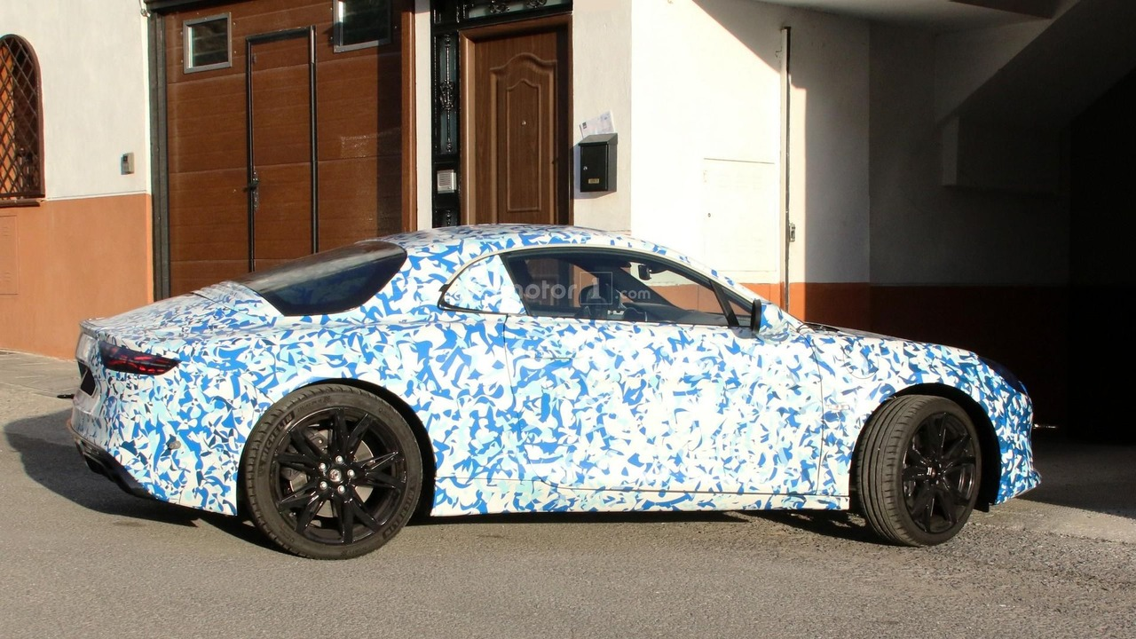 2017 Alpine spy photo