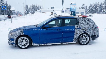 2022 Mercedes C-Class Estate spied during snowy test with less camo