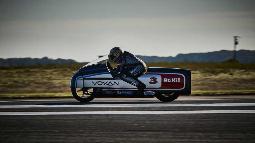 È record: Max Biaggi ha raggiunto i 408 km/h su una moto elettrica
