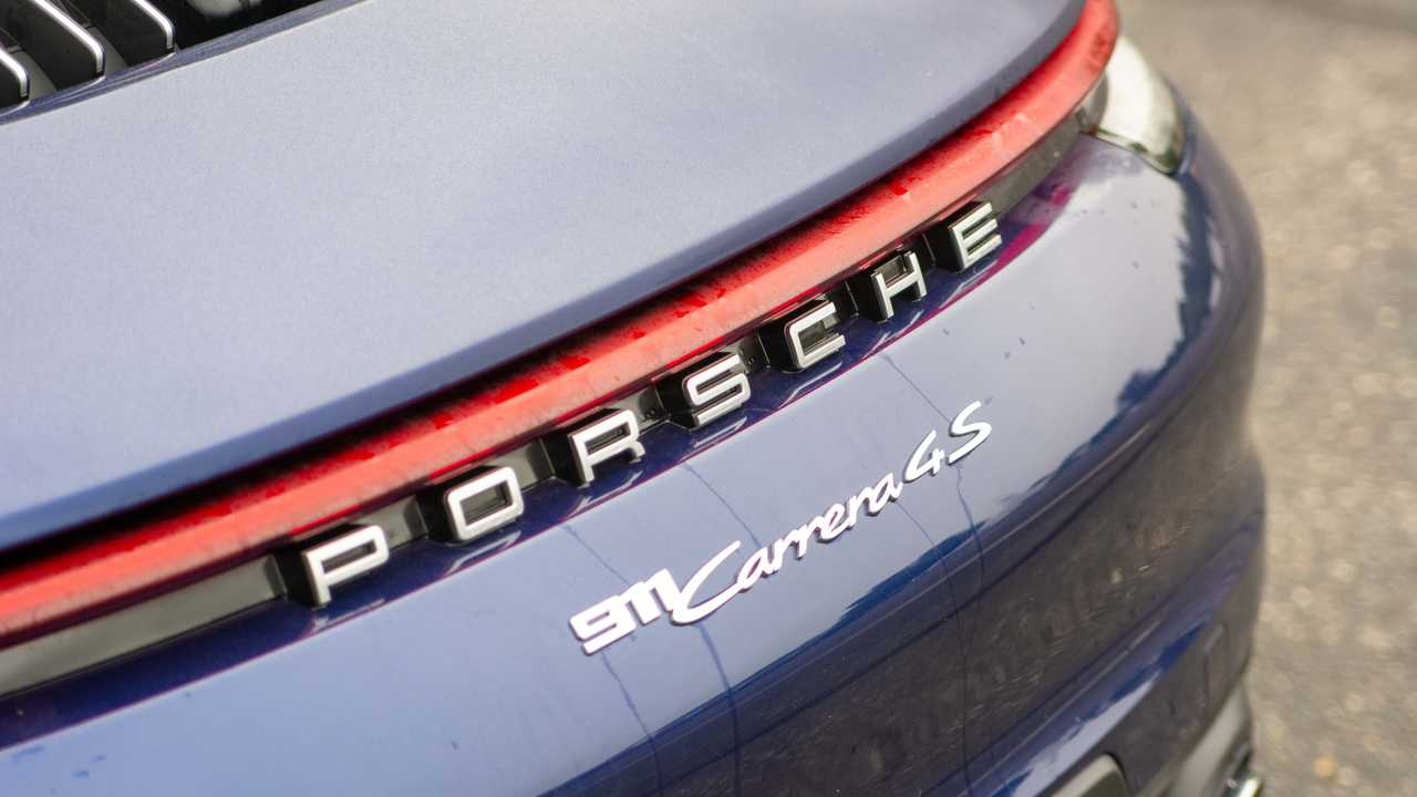 2020 Porsche 911 Carrera 4S badge