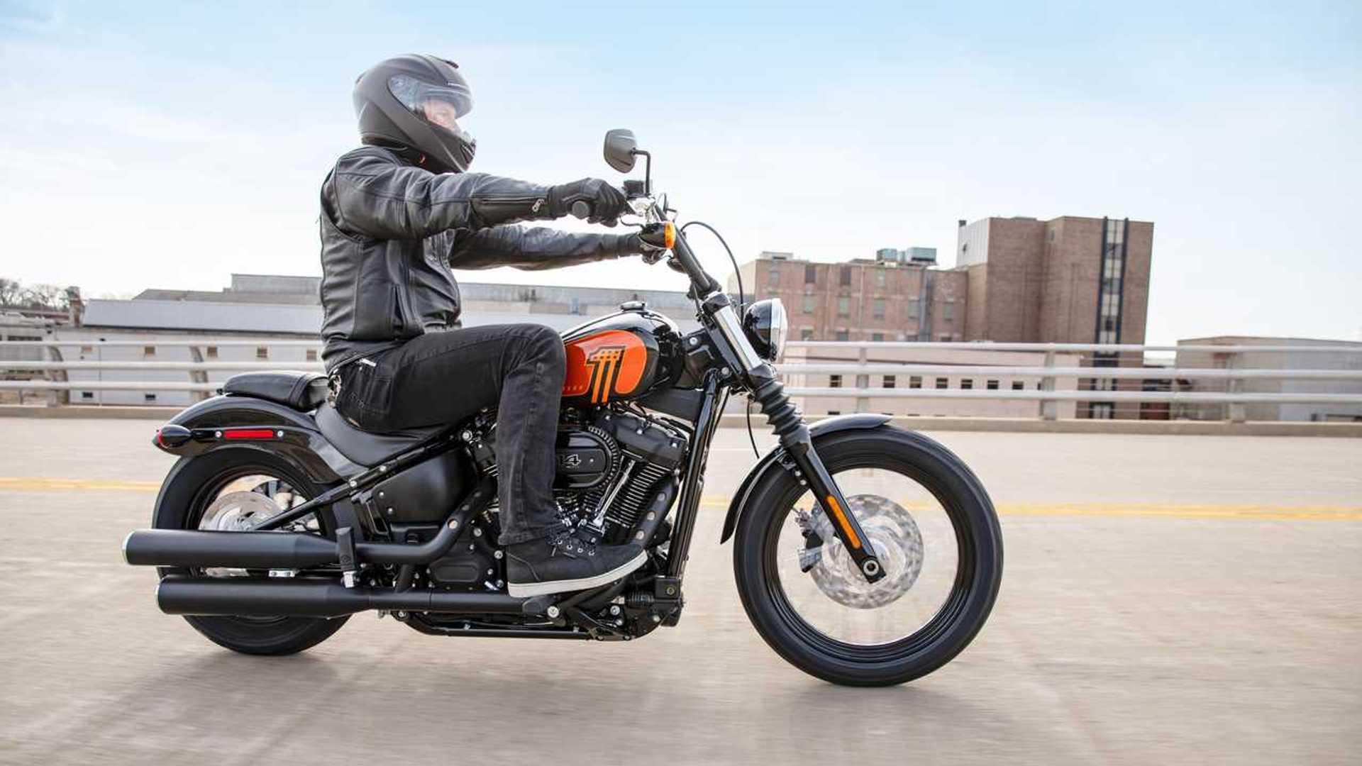 Harley-Davidson Street Bob 114 2021 2021-harley-davidson-street-bob-114---riding