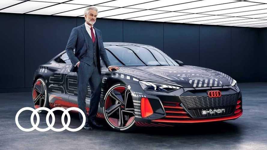 La curiosità: Babbo Natale al volante di un'Audi e-tron GT
