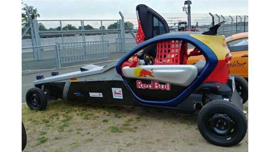 Ce Renault Twizy se la joue dragster avec le moteur d'une Yamaha R1