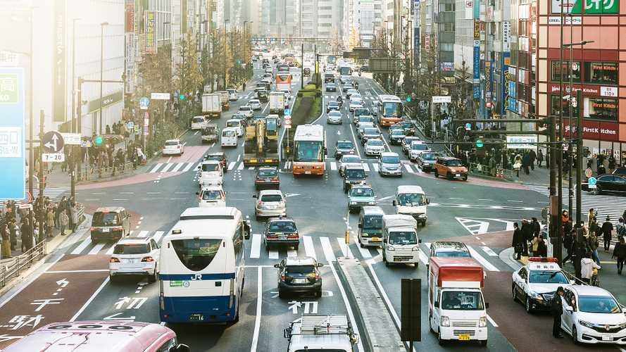 Il piano giapponese per l'addio alle auto a benzina e diesel dal 2030