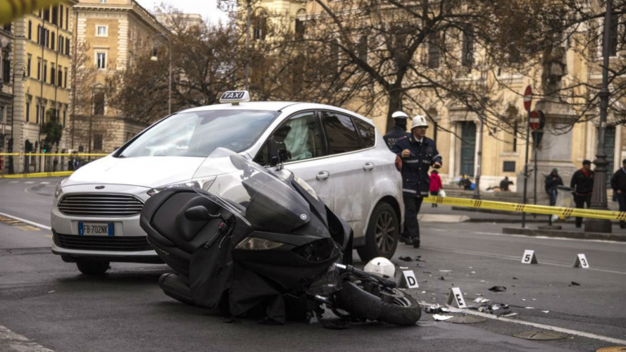 Incidenti in moto a Roma: numeri drammatici