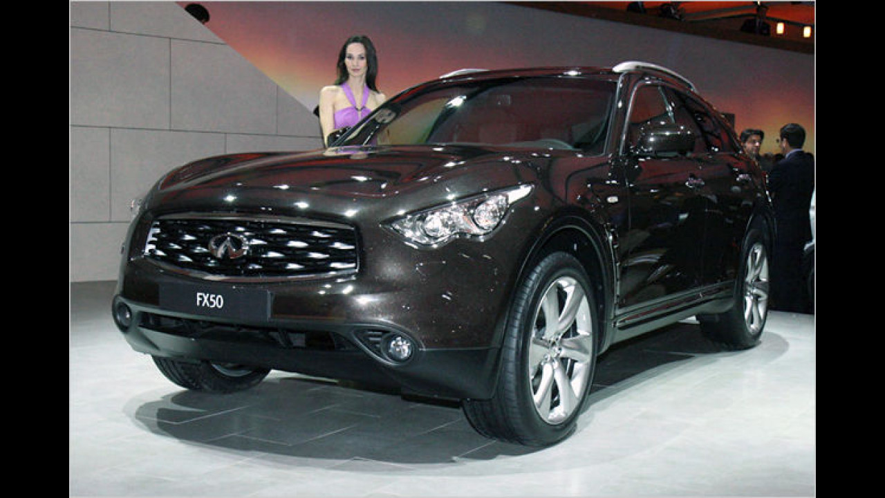Infiniti FX 50: Das sportliche SUV ist mit einem 390 PS starken V8-Motor ausgestattet