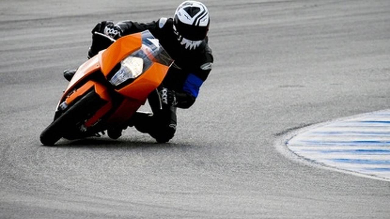Skip Barber Superbike School goes all RC8