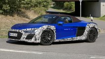 Audi R8 Spyder facelift spy photo