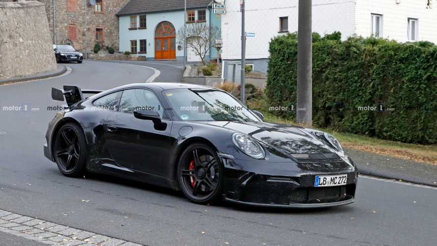 El futuro Porsche 911 GT3 2020, 'espiado' desde todos los ángulos