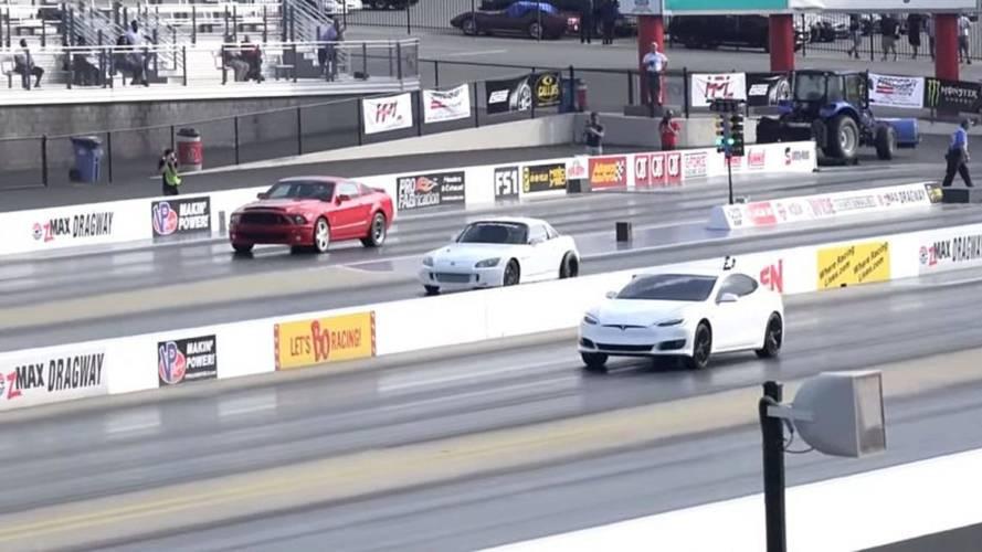 Watch Tesla Model S P100D Race Nitrous Ford Mustang